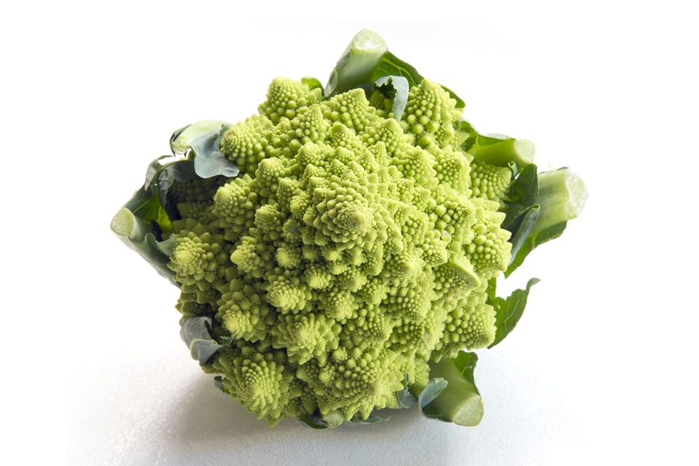 Frozen bio Romanesco in dices, florets and rice