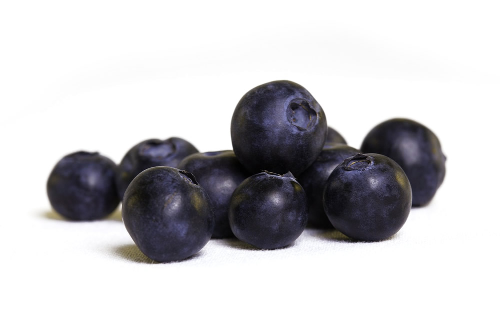 Frozen whole blueberry